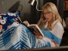 Kate from Firefly Lane reading a book